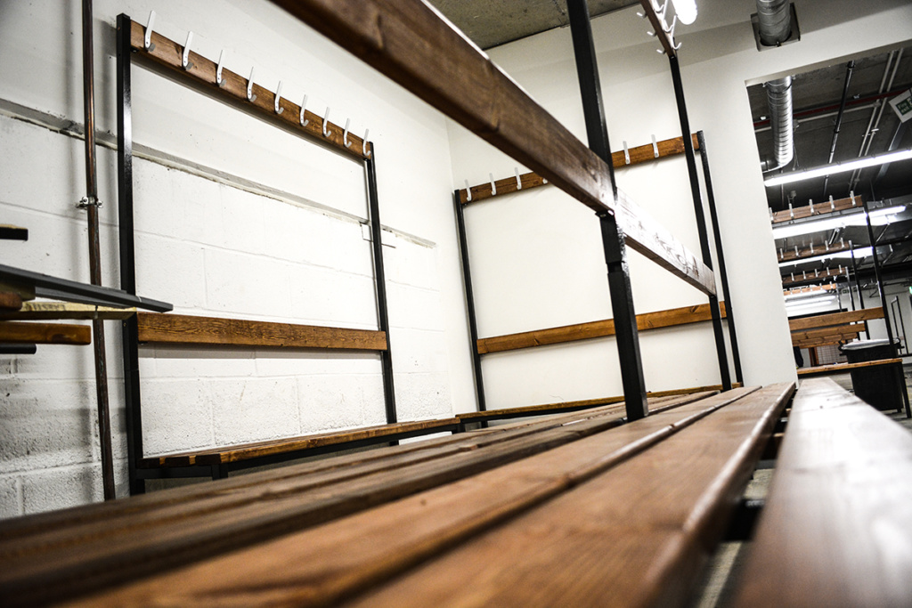 canary-wood-wharf-contractors-changing-room-bench-wooden