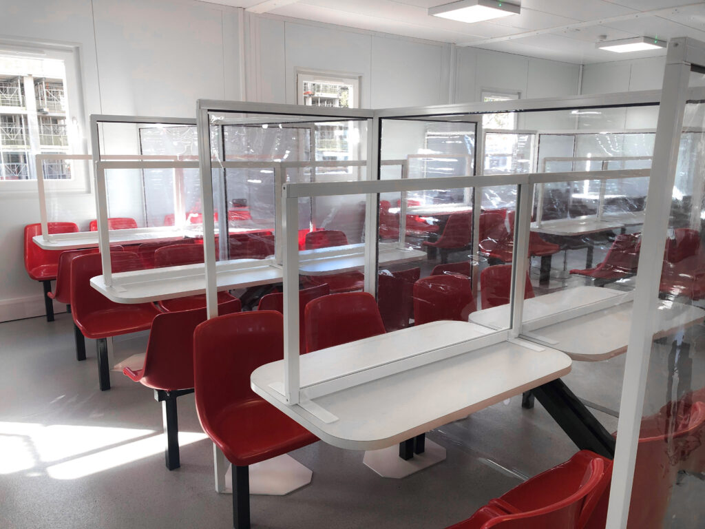 canteen-table-screens-perry-barr-lendlease-covid-safety-furniture-construction-site-welfare